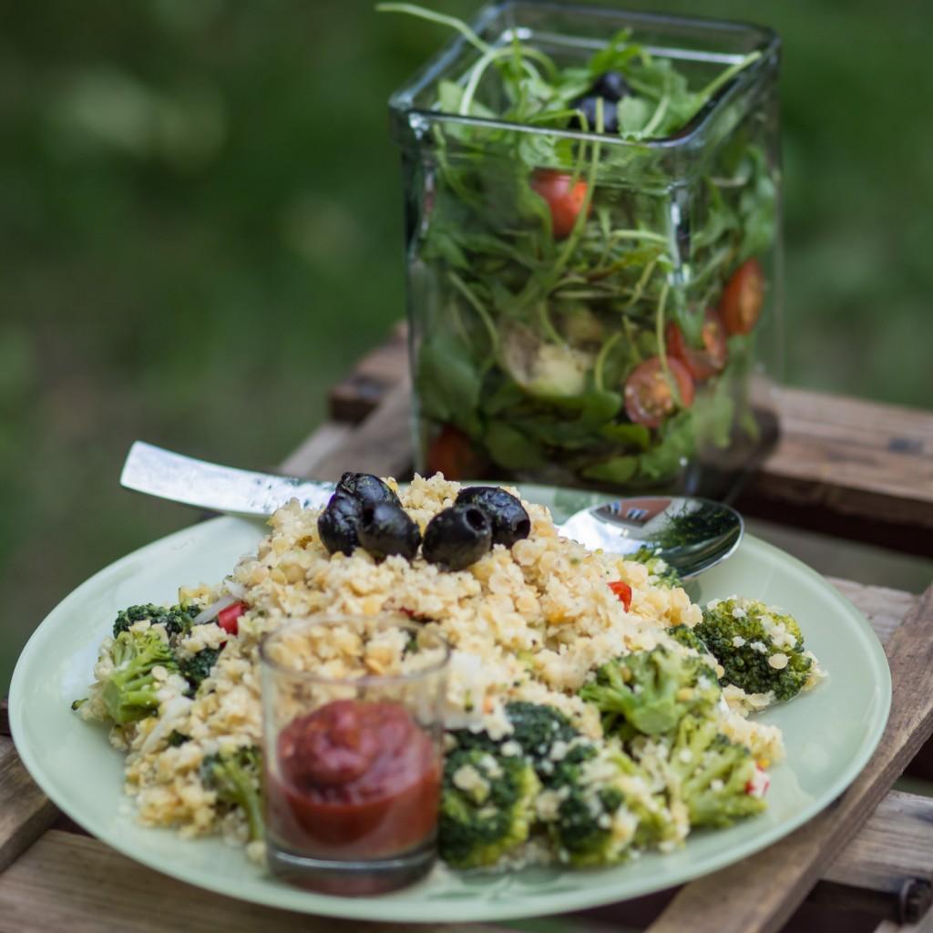 Esst normal und ausreichende Portionen... Damit könnt Ihr im Gym auch gute Performance bringen und langfristig bessere Resulate erzielen